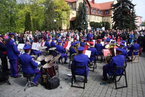 3 majowy koncert  Orkiestry Dętej i zespołu Mażoretek z Chełmińskiego Domu Kultury