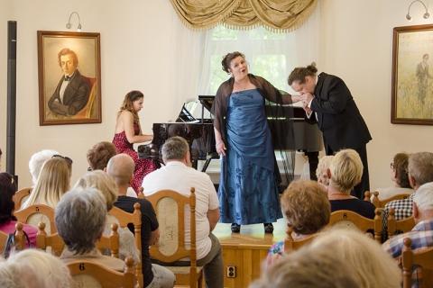 Galeria dla Koncert z okazji 200. rocznicy urodzin Stanisława Moniuszki