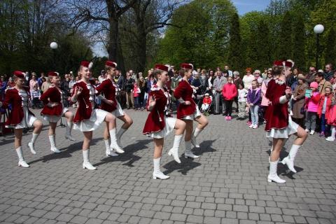 MAJowy koncert Orkiestry Dętej Chełmińskiego Domu Kultury w towarzystwie Mażoretek, fot. arch. CHDK
